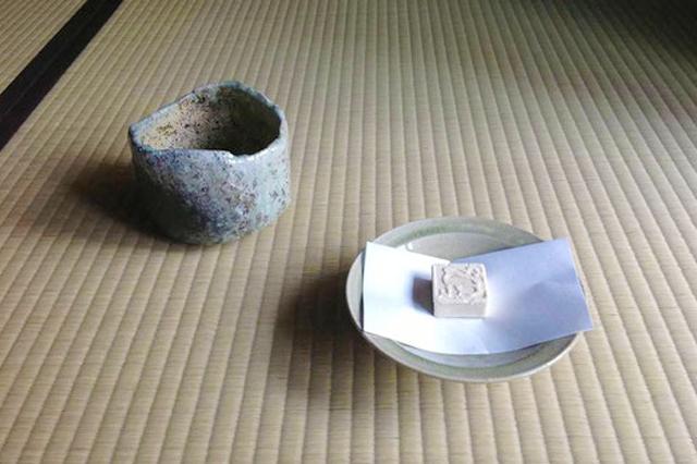 陶器とお菓子
